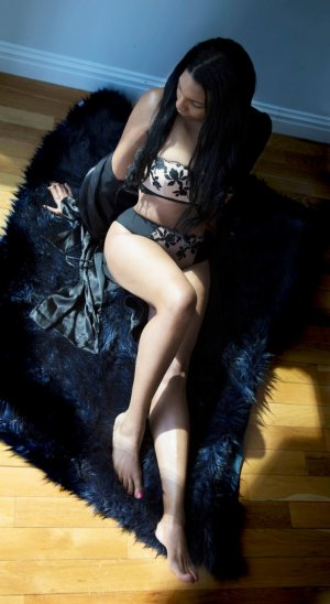 Typhanie independent escorts